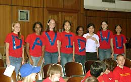 Vestavia students supporting David and Ivy