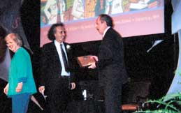 Paulos receives award from AAAS Chief Executive Officer Alan I. Leshner
